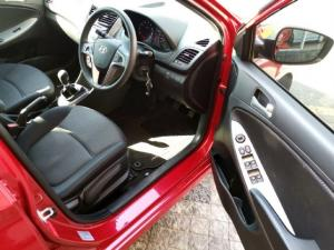 Hyundai Accent hatch 1.6 Fluid - Image 7