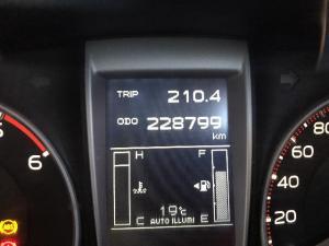 Isuzu KB 300D-Teq Extended cab 4x4 LX - Image 6