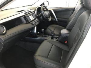 Toyota RAV4 2.0 GX auto - Image 12