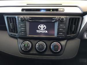 Toyota RAV4 2.0 GX auto - Image 19