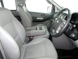Hyundai H-1 2.5 Crdi A/T/ 2.5 Elite automatic - Image 15