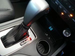 Ford Everest 3.2TDCi XLT - Image 11
