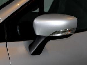 Renault Clio IV 900T Authentique 5-Door - Image 33