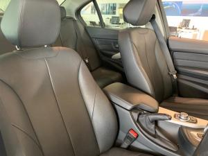 BMW 318i automatic - Image 7