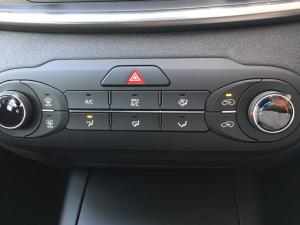 Kia Sorento 2.2D LS automatic - Image 6