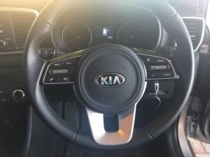 Kia Sportage 2.0 Crdi Ignite + automatic - Image 8