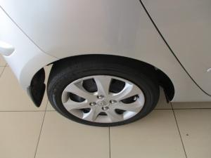 Hyundai i10 1.1 GLS/MOTION - Image 3