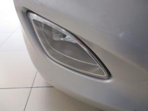 Hyundai i10 1.1 GLS/MOTION - Image 5