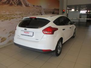 Ford Focus 1.0 Ecoboost Ambiente - Image 9