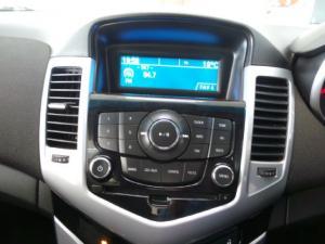 Chevrolet Cruze sedan 1.6 LS - Image 12