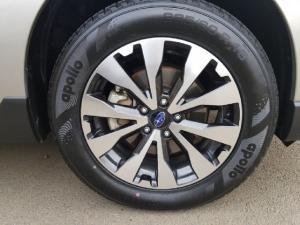 Subaru Outback 2.0D Premium - Image 7