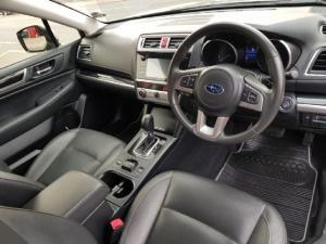Subaru Outback 2.0D Premium - Image 9