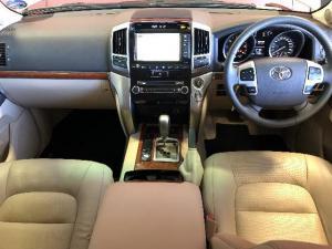 Toyota Landcruiser 200 V8 4.5D VX automatic - Image 5