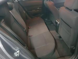 Chevrolet Cruze 1.6 LS - Image 12