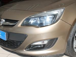 Opel Astra 1.4T Enjoy automatic - Image 14