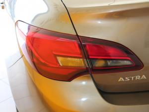 Opel Astra 1.4T Enjoy automatic - Image 3