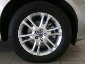 Volvo XC60 D4 Momentum - Image 8
