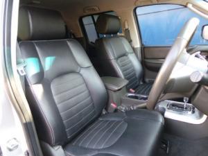 Nissan Navara 3.0dCi V6 double cab 4x4 LE - Image 4