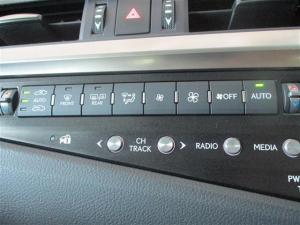 Lexus ES 250 EX - Image 13