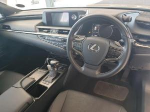 Lexus ES 250 EX - Image 6