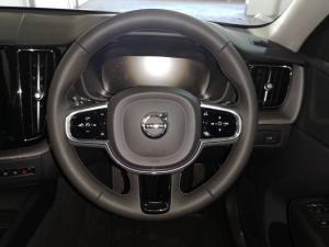Volvo XC60 D5 AWD Momentum - Image 10