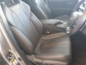 Lexus UX 200 F-SPORT - Image 8