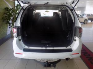 Toyota Fortuner 3.0D-4D 4X4 automatic - Image 16