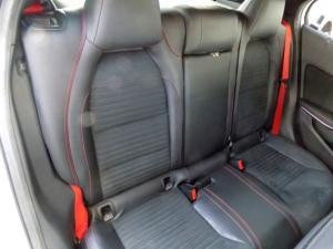 Mercedes-Benz GLA 45 AMG - Image 18