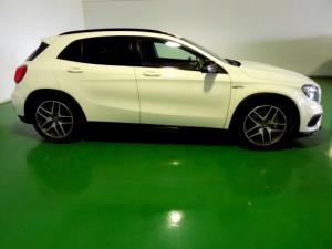 Mercedes-Benz GLA 45 AMG - Image 8
