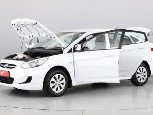 Hyundai Accent 1.6 GL - Image 10