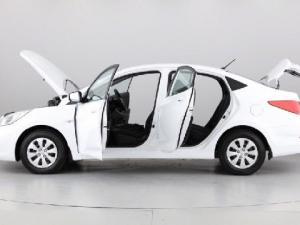 Hyundai Accent 1.6 GL - Image 11