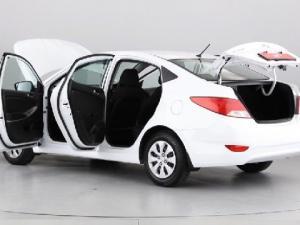 Hyundai Accent 1.6 GL - Image 12