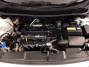 Hyundai Accent 1.6 GL - Image 14
