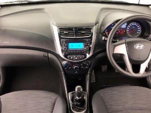 Hyundai Accent 1.6 GL - Image 16