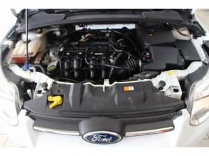 Ford Focus 1.6 Ti VCT Ambiente Powershift - Image 14