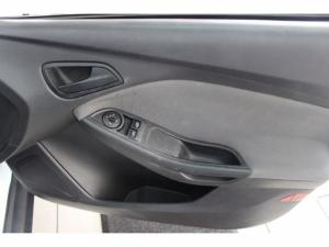 Ford Focus 1.6 Ti VCT Ambiente Powershift - Image 7