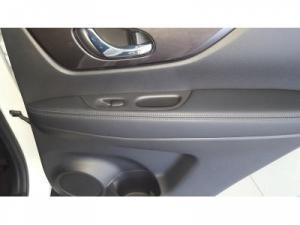 Nissan X Trail 2.5 Acenta 4X4 CVT - Image 18