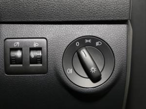 Volkswagen CADDY4 MaxiCrewbus 2.0 TDi DSG - Image 14