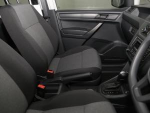Volkswagen CADDY4 MaxiCrewbus 2.0 TDi DSG - Image 16