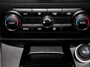 Chevrolet Captiva 2.4 LT automatic - Image 23