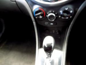 Hyundai Accent 1.6 GLS/FLUID automatic - Image 14
