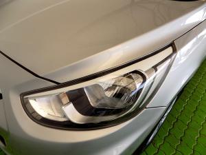 Hyundai Accent 1.6 GLS/FLUID automatic - Image 21