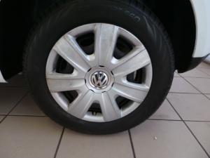 Volkswagen Polo Vivo hatch 1.4 Conceptline - Image 8