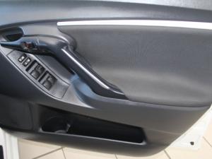 Toyota Verso 1.6 SX - Image 13