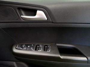 Kia Sportage 2.0 Ignite + automatic - Image 24