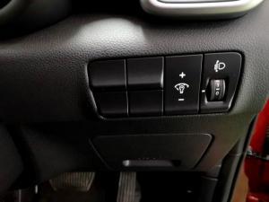 Kia Sportage 2.0 Ignite + automatic - Image 25