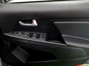 Kia Sportage 2.0 Crdi AWD automatic - Image 23