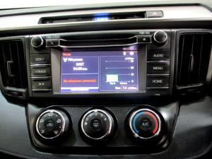 Toyota RAV4 2.0 GX automatic - Image 25