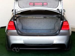 BMW 325i Sport automatic - Image 31