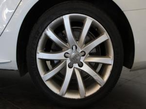 Audi A4 2.0TDI SE auto - Image 9